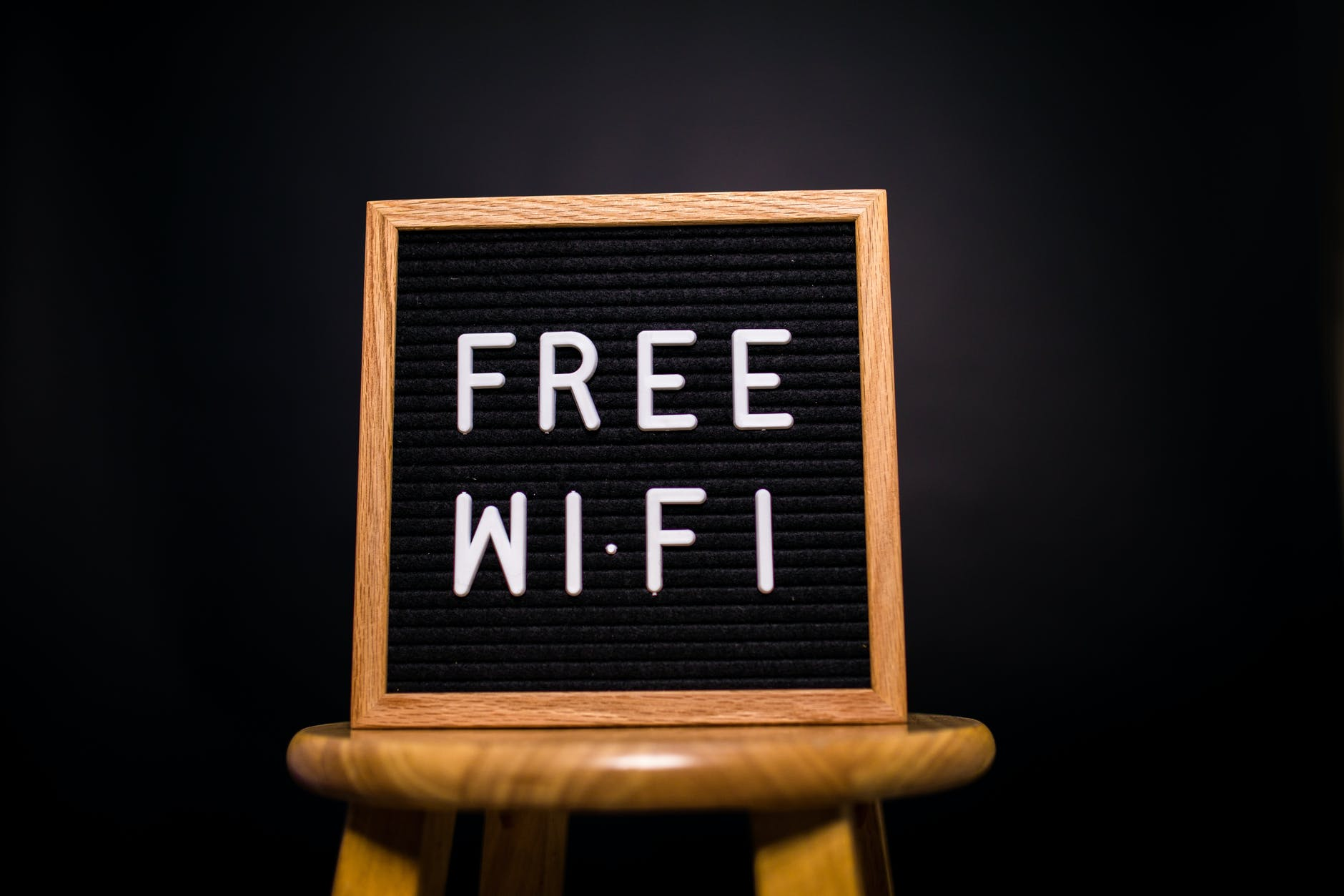 Image of a physical message board that says Free Wi-Fi.